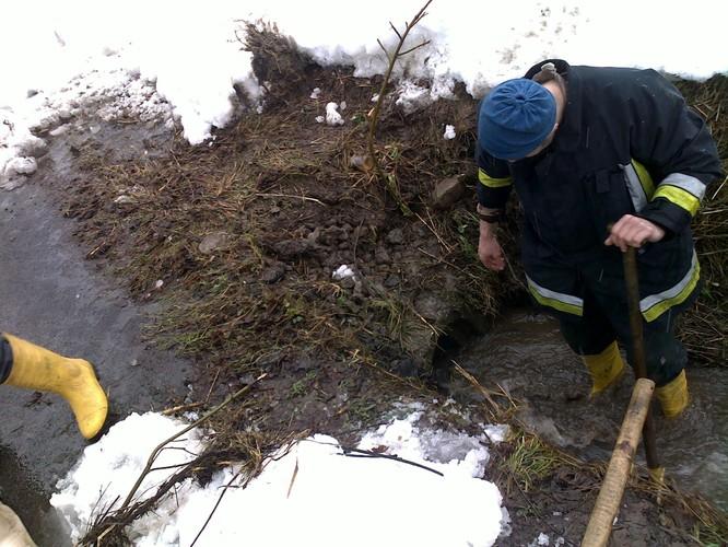 Pozeráš obrázky z galérie: Zásah pri povodni  požiari - 3/2009